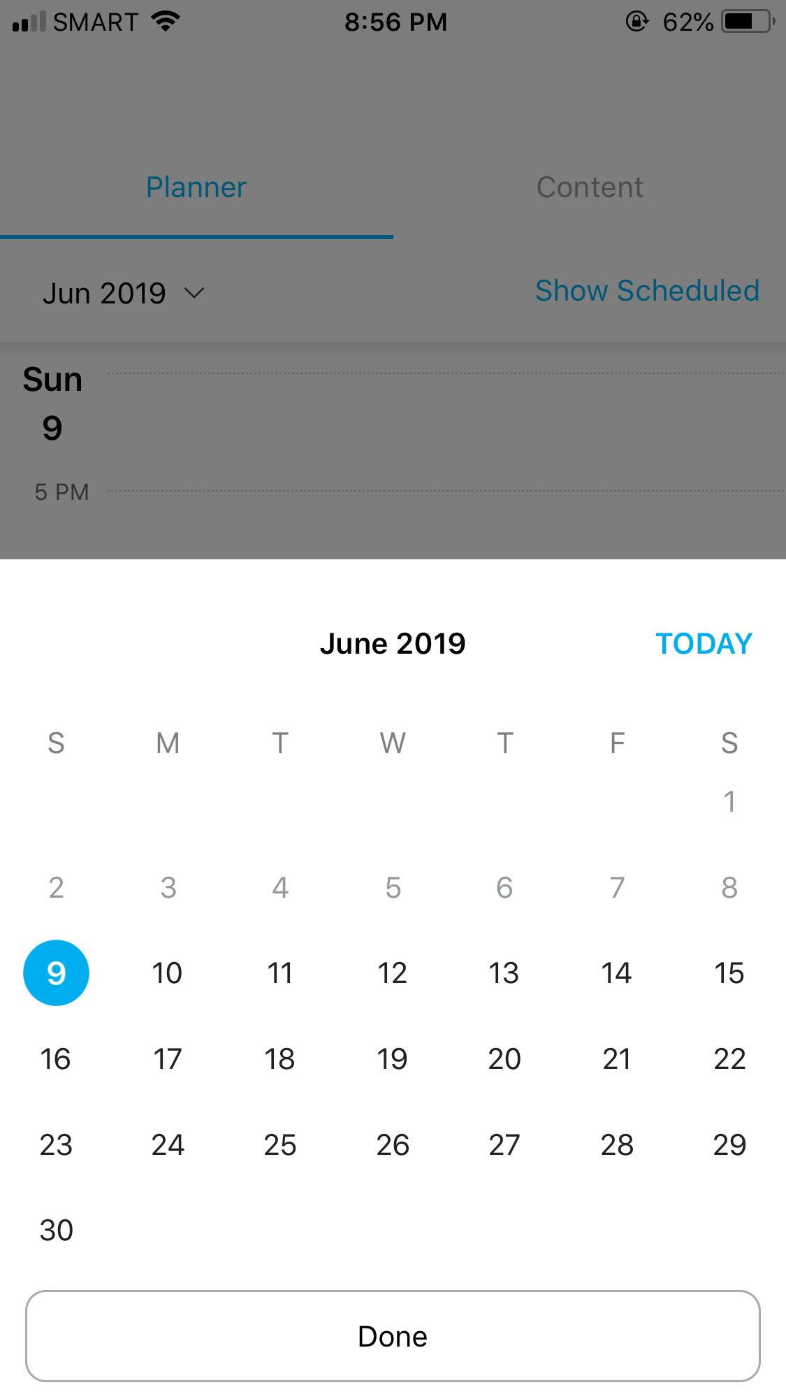 Calendar on iOS by Hootsuite